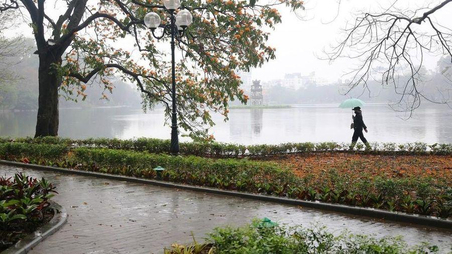 Dự báo thời tiết đêm nay và ngày mai (6-7/3): Hà Nội chuyển rét, mưa rào; gió mùa đông bắc, cảnh báo sóng lớn ở Biển Đông