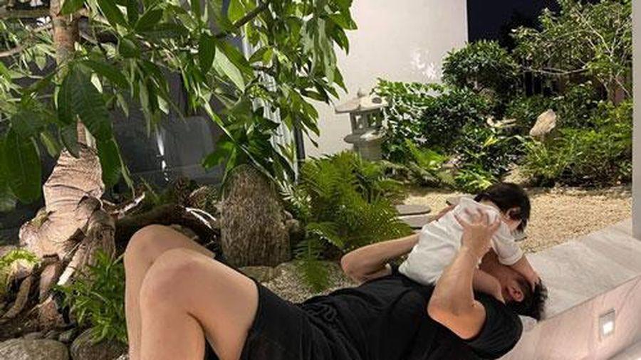 Đàm Thu Trang tiết lộ khoảnh khắc 'cực độc' của Cường Đô la nhưng biểu cảm của cô con gái cưng mới gây chú ý