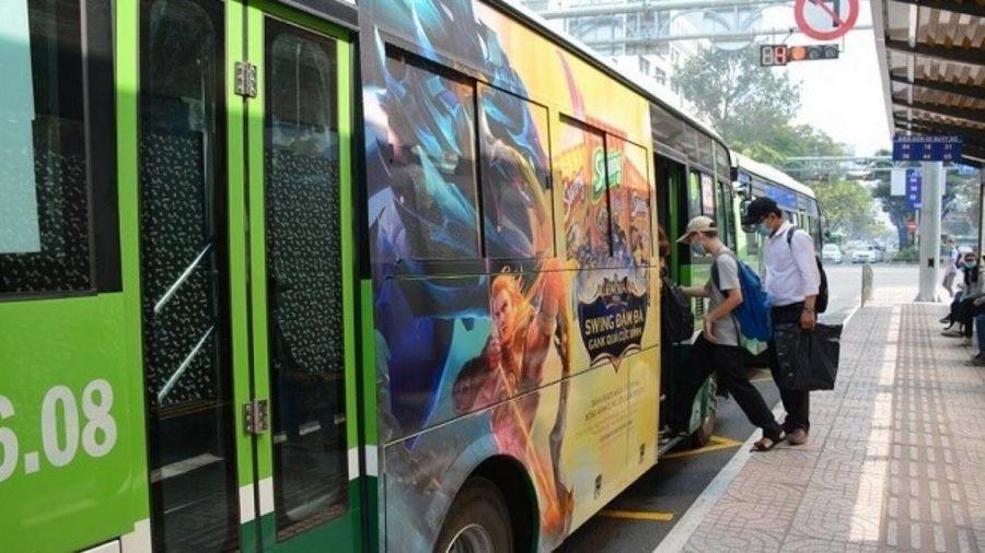 Vì sao TP.HCM đề xuất tạm ngưng đề án quảng cáo trên xe buýt?