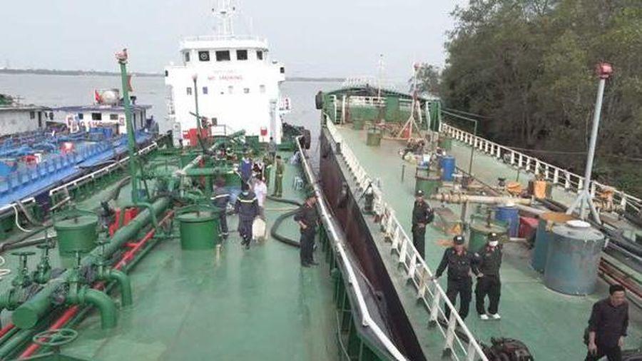Vụ 2,7 triệu lít xăng giả: Khởi tố đội trưởng chống buôn lậu Hải quan nhận hối lộ