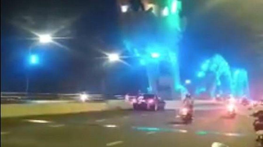 Xử phạt tài xế Mercedes dừng giữa cầu Rồng, Đà Nẵng chụp ảnh