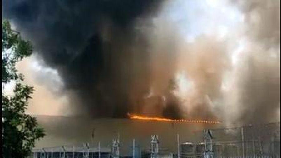 Cháy lớn tại nhà xưởng công ty Tôn Hoa Sen