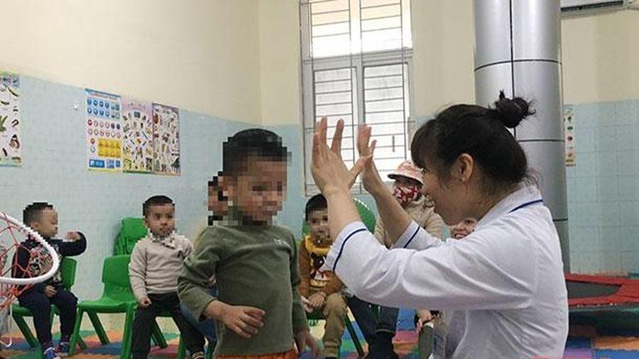 Trải lòng của những giáo viên 'vượt sóng' cùng trẻ tự kỷ