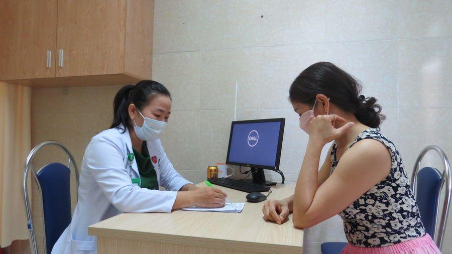Bệnh viện Đa khoa Sài Gòn Nha Trang khám sức khỏe miễn phí cho gần 100 phụ nữ