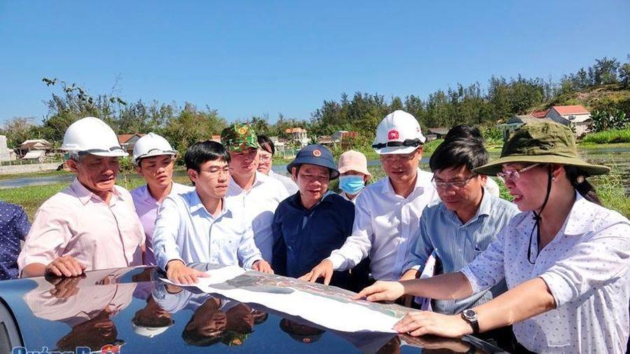 Thường trực Tỉnh ủy kiểm tra tiến độ thực hiện đường ven biển Dung Quất- Sa Huỳnh