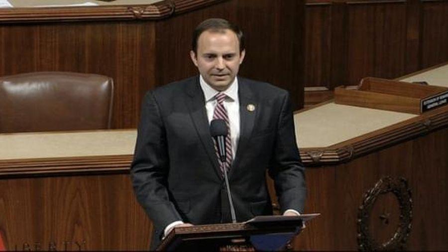 Hạ nghị sĩ Cộng hòa bấm nhầm nút ủng hộ dự luật cải tổ cảnh sát