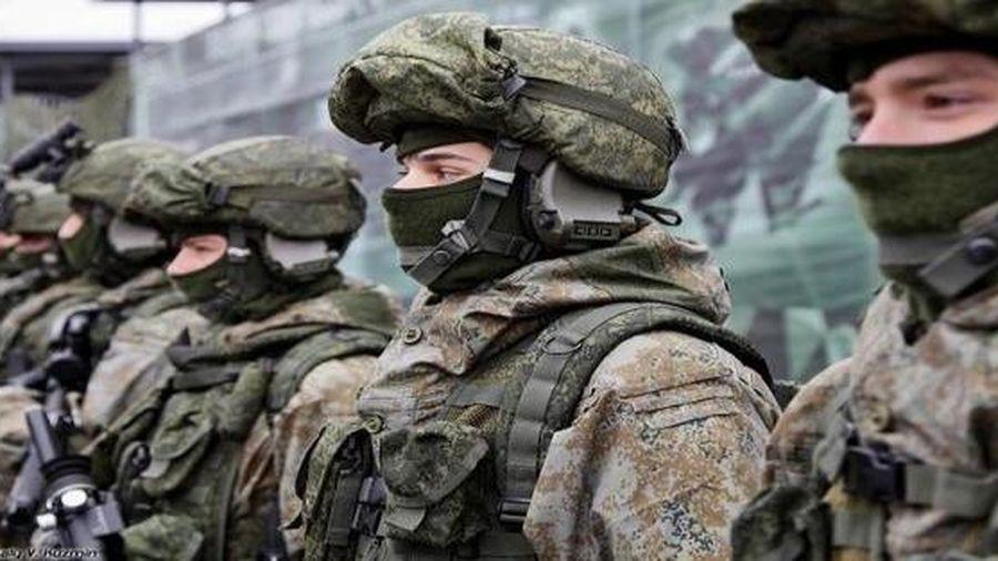 Quân nhân Nga lĩnh án vì bán trộm quân phục Ratnik