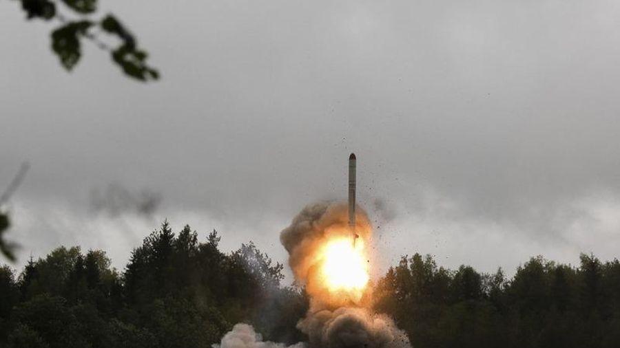 Tên lửa Nga nã vào Azerbaijan bị tên lửa Israel bắn rơi