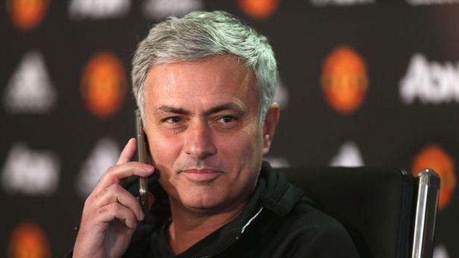 Cuộc gọi lúc nửa đêm của Jose Mourinho