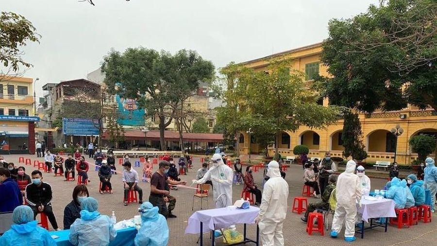 Ngày mai, học sinh khối 12 của tám huyện, thành phố ở Hải Dương đi học trở lại
