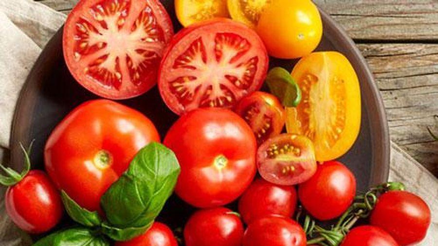 3 công thức làm đẹp da hiệu quả với cà chua