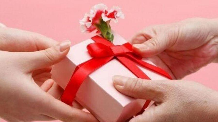 Quà tặng 8/3 tặng mẹ, vợ, người yêu, sếp ý nghĩa đẹp nhất