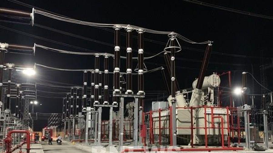 Đóng điện đưa vào vận hành trạm biến áp 500 kV Dốc Sỏi