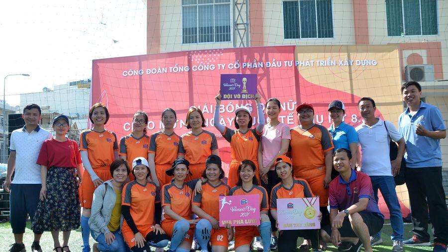 DIC số 1 vô địch giải bóng đá nữ DIC Corp