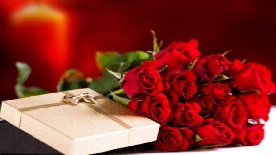 Ngày 8/3 nên tặng gì cho bạn gái để tình cảm thêm bền chặt?