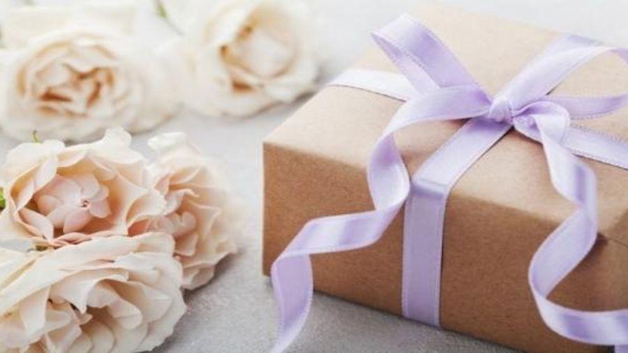 Ngày 8/3 nên tặng gì cho mẹ chồng để tình cảm thêm khăng khít?