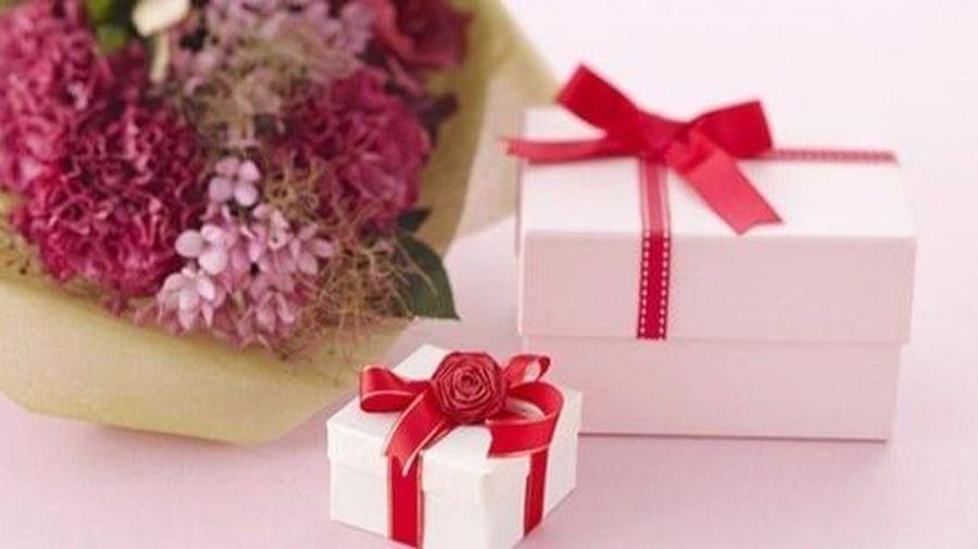 Ngày 8/3 tặng quà cho mẹ chồng nên lưu ý điều này kẻo tình cảm ngày càng rời xa?