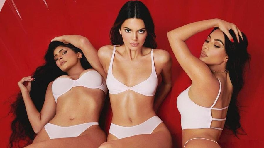Những lần chị em Kim Kardashian làm người mẫu