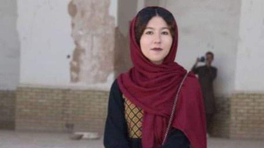 Cô gái duy nhất làm hướng dẫn viên du lịch ở Afghanistan