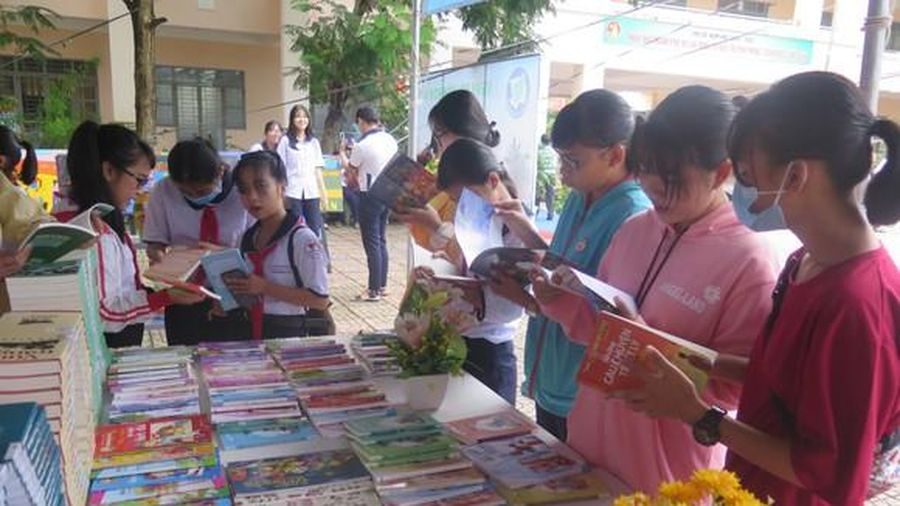 Lan tỏa văn hóa đọc cho học sinh, sinh viên