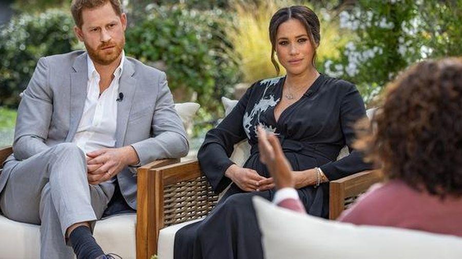 Cuộc phỏng vấn bom tấn về Hoàng gia Anh