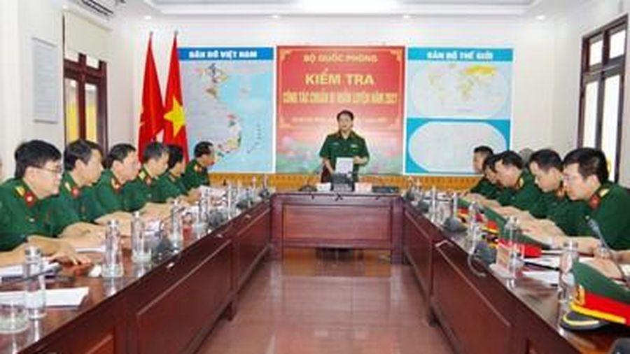 Bộ Quốc phòng kiểm tra công tác chuẩn bị huấn luyện tại Lữ đoàn 596