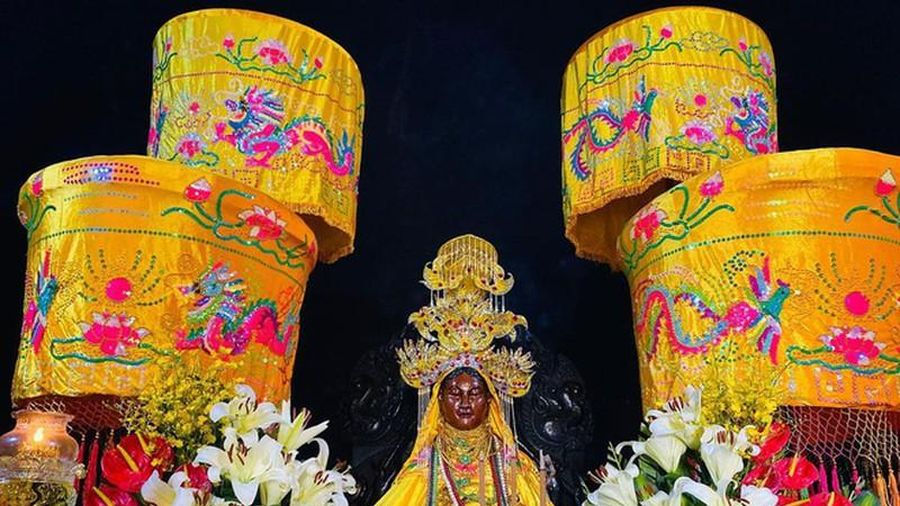 Di tích Tháp Bà Ponagar thờ thần nào?
