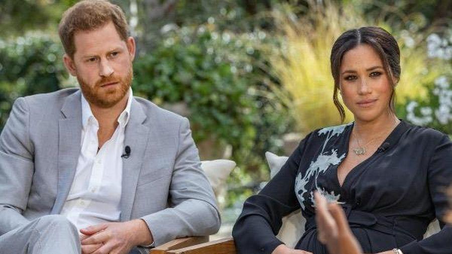 Meghan - Harry đã nói gì trong cuộc phỏng vấn 'bom tấn' về Hoàng gia Anh