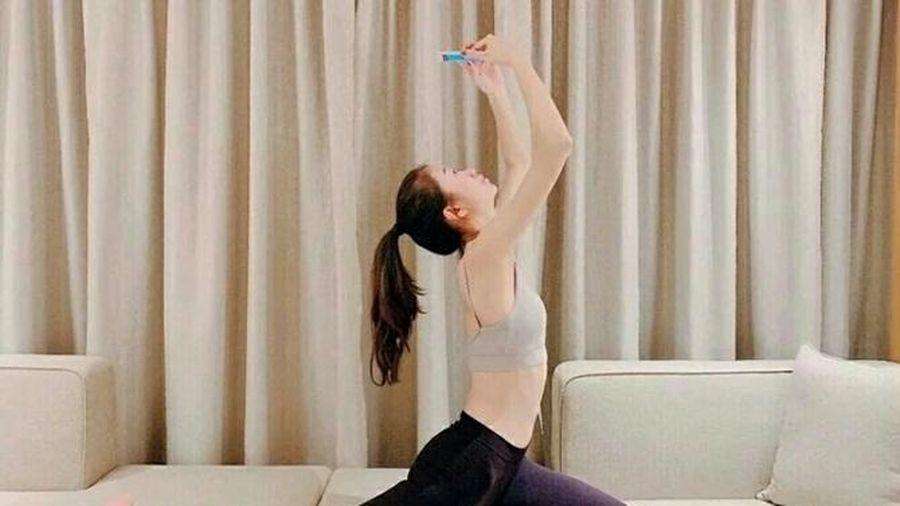 Nghiện dùng điện thoại nhưng vẫn muốn giảm cân chị em hãy tập ngay 6 động tác này