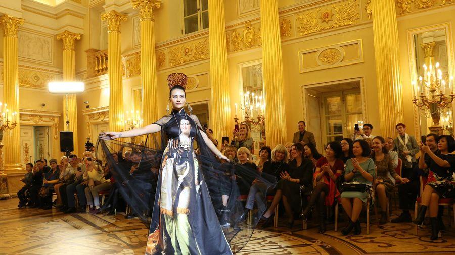 Ấn tượng áo dài Việt Nam qua ống kính của nữ nhiếp ảnh gia Nga
