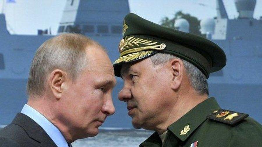 Sai lầm lớn nhất của Nga là 'ai hỏi mua vũ khí cũng bán'?
