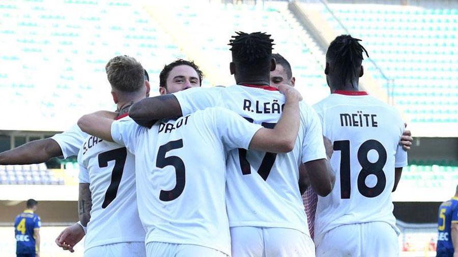 Thắng Verona 2-0, Milan thu hẹp cách biệt xuống còn 3 điểm với Inter