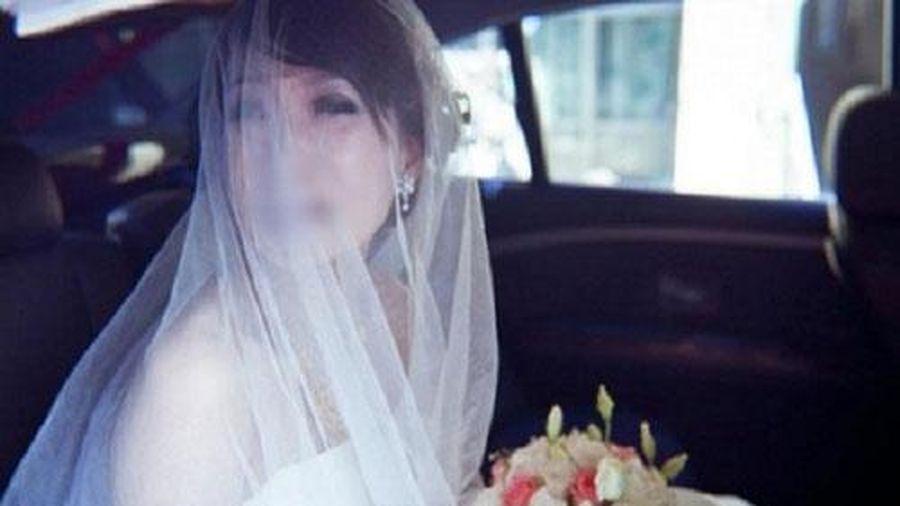 Cưới chồng hơn 20 tuổi, cô gái tưởng sẽ không có đêm tân hôn ai dè cả đêm không bước nổi xuống giường