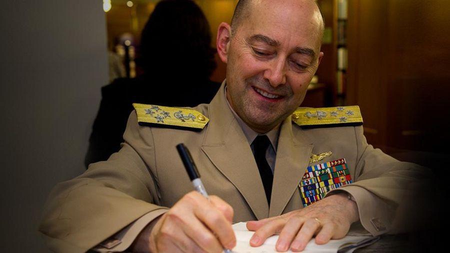 Cựu Tư lệnh NATO: Mỹ sẽ tiến hành 'chiến tranh du kích' với Trung Quốc trên Biển Đông