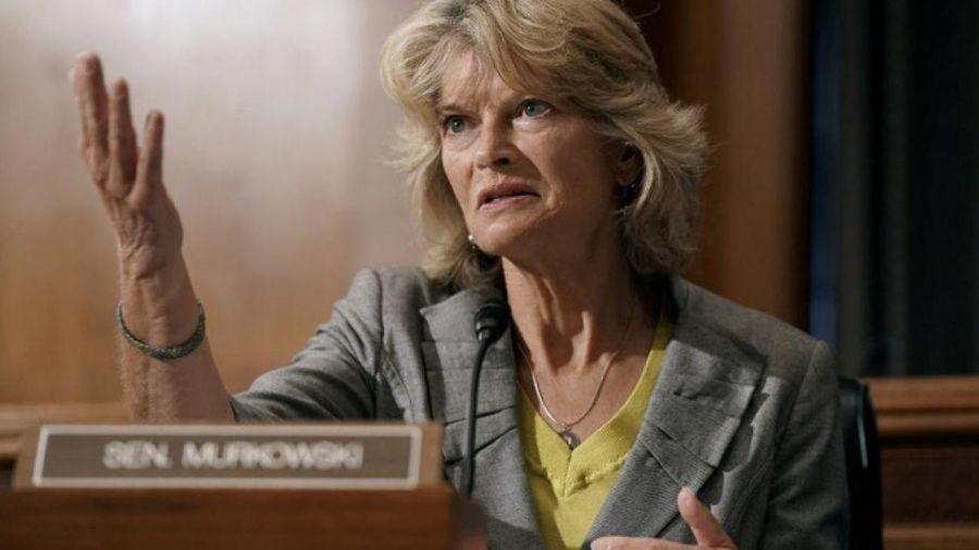 Ông Trump tuyên bố đối đầu đến cùng với Nghị sĩ 'bất trung' Lisa Murkowski
