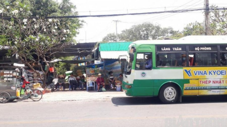 Kiểm tra đột xuất hoạt động xe buýt sau phản ánh của Báo Giao thông