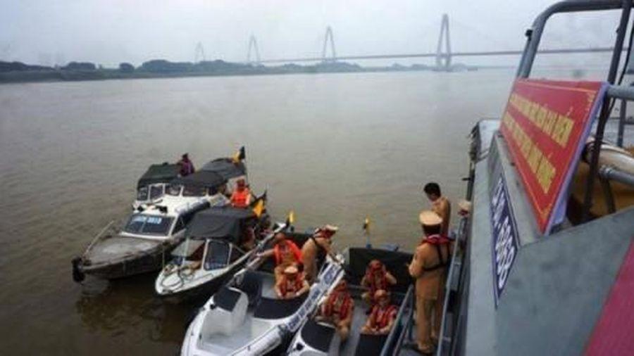 Hà Nội sắp thí điểm mô hình cứu nạn mới trên sông Hồng