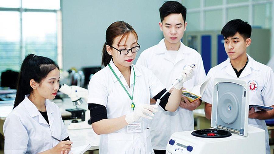Nghiên cứu khoa học trong trường đại học góp phần xây dựng nguồn nhân lực chất lượng cao