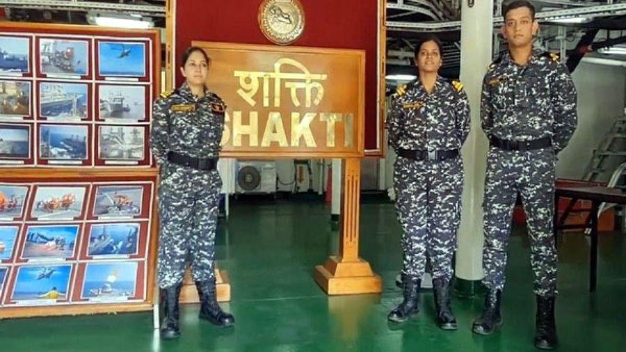 Lần đầu tiên sau 23 năm, Ấn Độ biên chế sĩ quan nữ trên tàu chiến