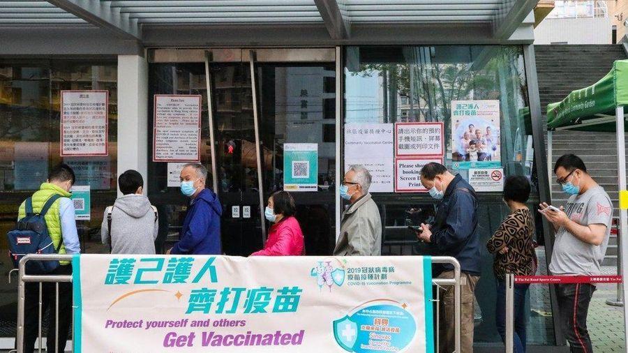 Hong Kong: 3 người chết, 18 người nhập viện sau khi tiêm vaccine Trung Quốc