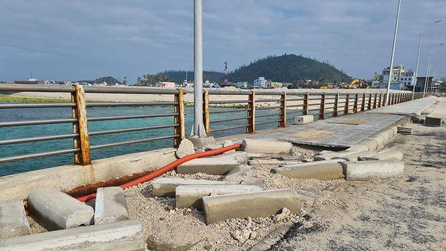 Bến cảng 257 tỉ xây xong hư hỏng sau bão