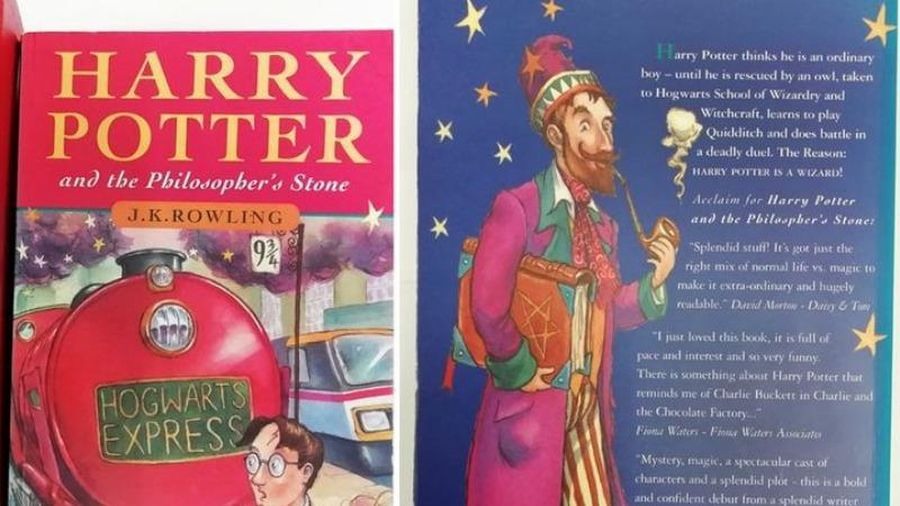 2 bản Harry Potter hiếm được rao bán với giá 3,4 tỉ
