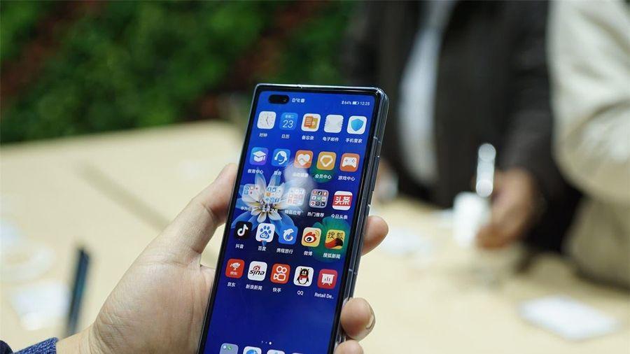 'Không thể mua được điện thoại Huawei theo kênh thông thường'