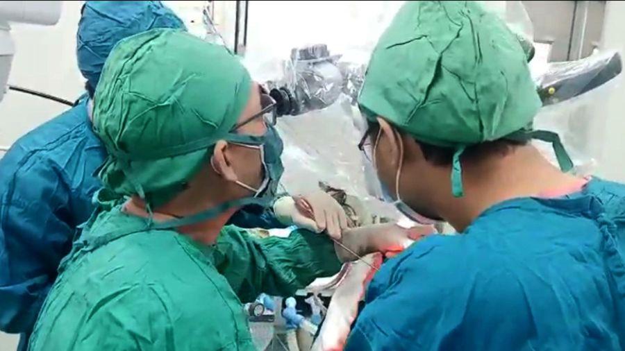 Bệnh viện tỉnh lần đầu phẫu thuật thành công ca u màng não