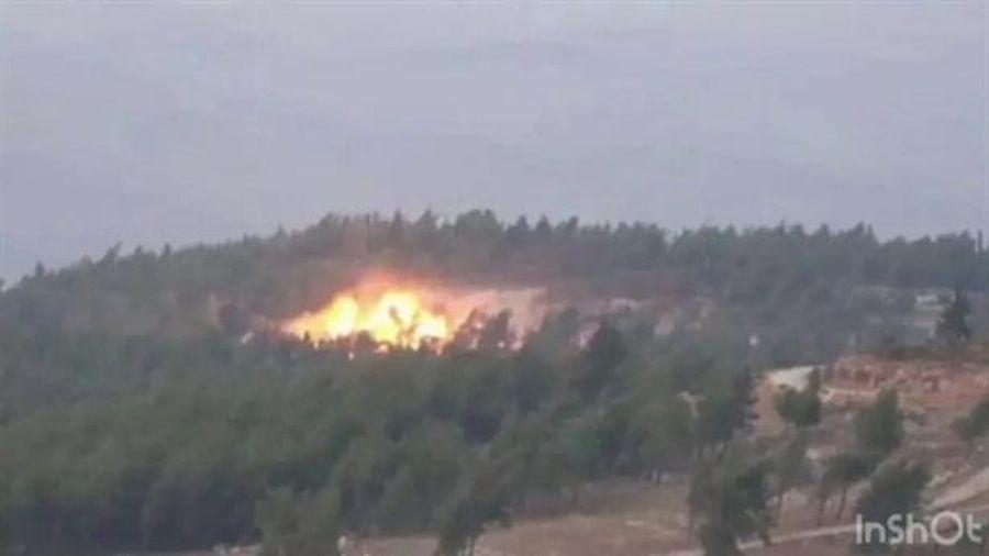 Bom dẫn đường từ Su-30 san phẳng căn cứ phiến quân