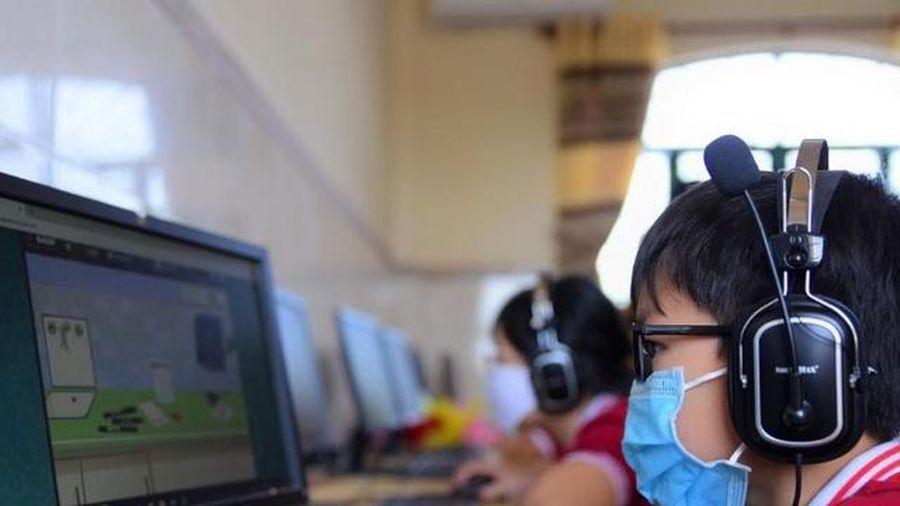 Dạy thể dục, làm thí nghiệm qua học trực tuyến: Cái khó 'ló' cái hay