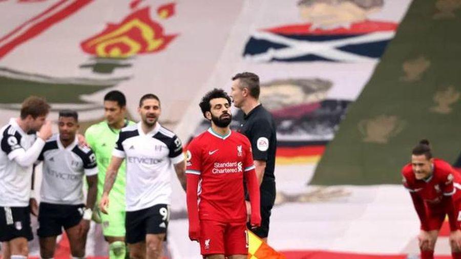 Liverpool lập kỷ lục về những cú sút vô hại sân nhà