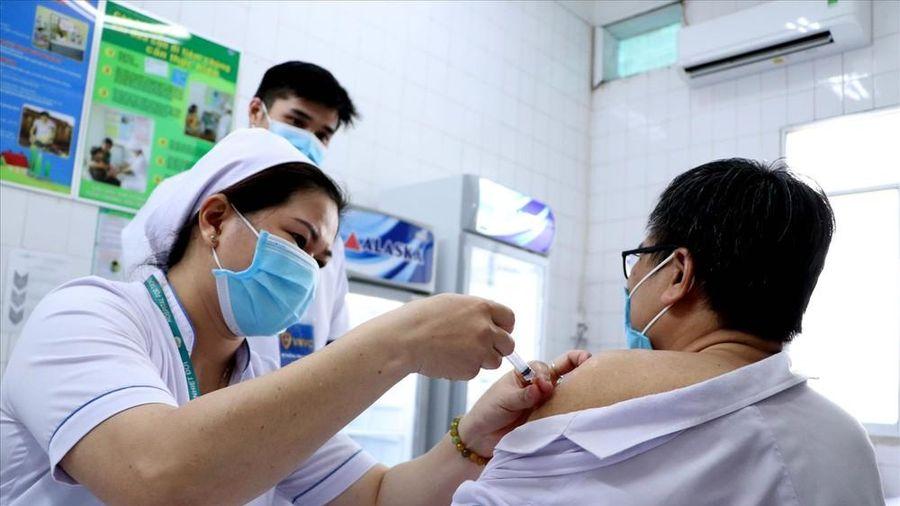 1/5 dân số sắp được tiêm chủng ngừa COVID-19