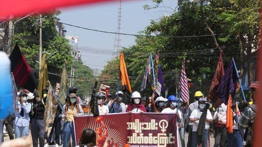 Myanmar tiếp tục có thương vong, nhiều cửa hàng đóng cửa