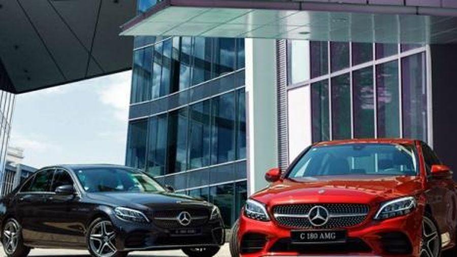 Mercedes-Benz ra mắt bản C 180 AMG với mức giá mềm có tạo nên 'cơn sốt' trên thị trường Việt Nam?
